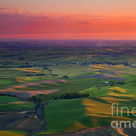 Mike  Dawson - Red Skies over the Palouse