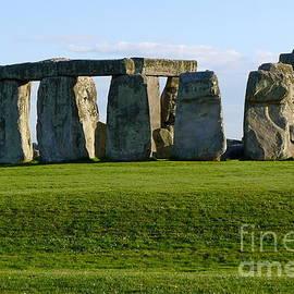 Denise Mazzocco - Stonehenge up close