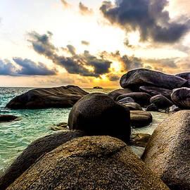 Jijo George - Sun Sand Sea and Rocks