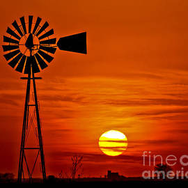 Rick Grisolano Photography LLC - 2014 March Windmill at Sunset No3