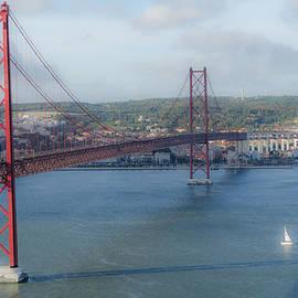 Alexandre Martins - 25 April Bridge