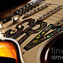 Jani Bryson - Replica Stevie Ray Vaughn Electric Guitar Artistic