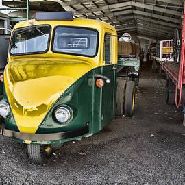 Douglas Barnard - 3 Wheeler Truck
