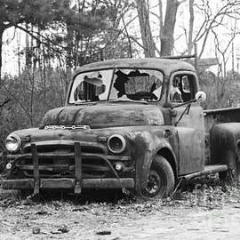 Robin Lee Mccarthy Photography - #309 Dodge Distress Truck Haverhill MA