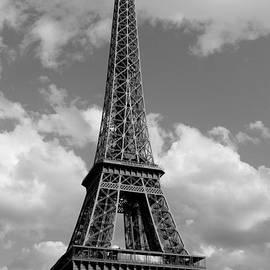 Ivete Basso - Eiffel Tower