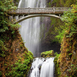 Brian Jannsen - Multnomah Falls