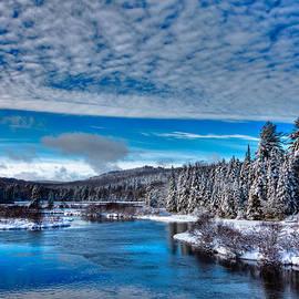 David Patterson - A Beautiful Winter Day at the Green Bridge