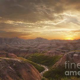 Steve Triplett - A Good Sunrise in the Badlands