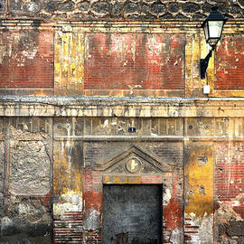 RicardMN Photography - A wall in decay