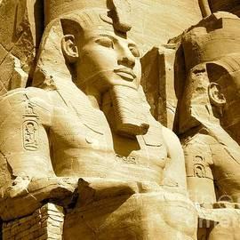 Lynn R Morris - Still Standing  Abu Simbel