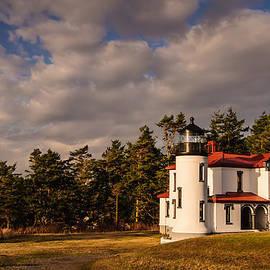 Dan Mihai - Admiralty Head Lighthouse