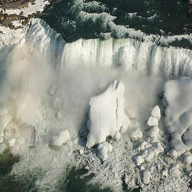 Georgia Mizuleva - Aerial View of Niagara Falls with Snow and Ice