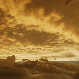 Audie T Photography - Mammatus Clouds