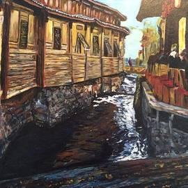 Belinda Low - Afternoon Delight in Old Town of Lijiang