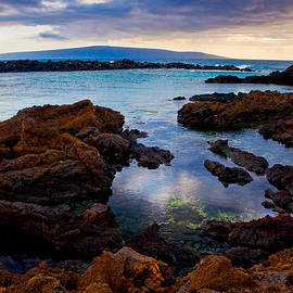 Nature  Photographer - Ahii Kinau - A sunset from Cape Kinau in Makena Maui