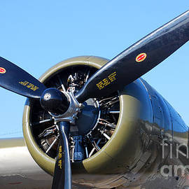 Connie Fox - Air Power. B-17 Flying Fortress Engine