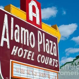 Sonja Quintero - Alamo Hotel Courts
