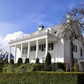 Cathy Mahnke - Alaska Governors Mansion
