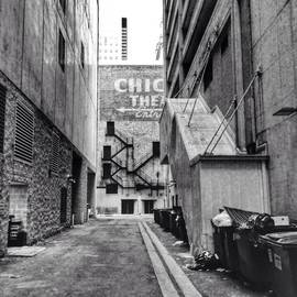 Paul Velgos - Alley By The Chicago Theatre #chicago