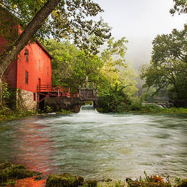 Gregory Ballos - Alley Spring Grist Mill Waterfall and Lake