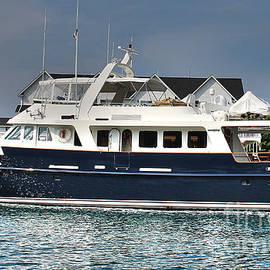 Nina Silver - American Leisure Cruise