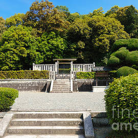 David Hill - Ancient Japanese imperial mausoleum