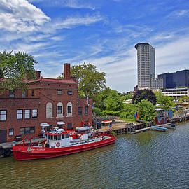 Marcia Colelli - Anthony J Celebrezze Fire Boat In Cleveland