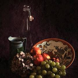Hugo Bussen - Antique bowl with grapes and peaches