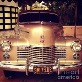 Victor Arriaga - Antique Cars Cadillac
