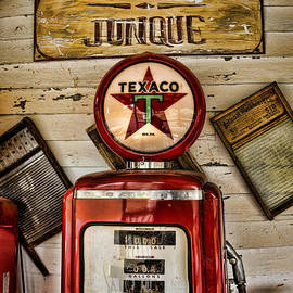 Heather Applegate - Antiques and Junque