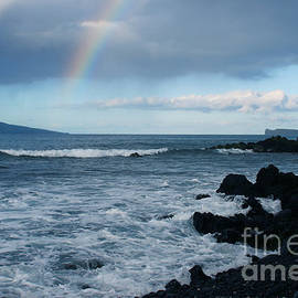 Sharon Mau - Anuenue - Rainbow over  Alalakeiki Channel Kihei Maui Hawaii