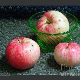 Patricia Overmoyer - Apples and Green Glass-II
