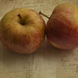 Georgia Fowler - Apples