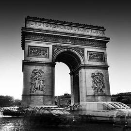 Conor OBrien - Arc de Triomphe - Paris