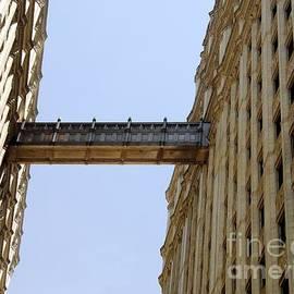 Sophie Vigneault - Architectural Bridge in Chicago