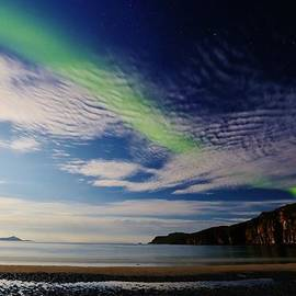 David Broome - Arctic White Sand Beach Aurora