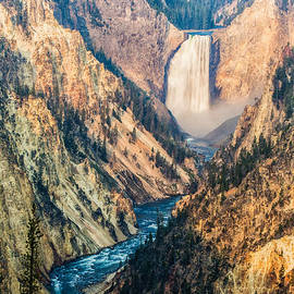Andres Leon - Artist Point in Yellowstone