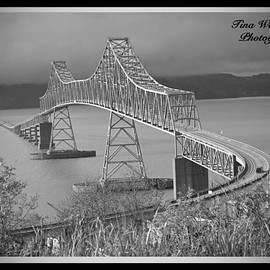 Tina Wentworth - Astoria Bridge