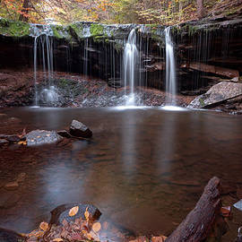 Gene Walls - Autumn Trickle Over Oneida Falls