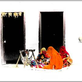Sue Jacobi - Babys Cradle in the Courtyard Indian Village Rajasthan 1b