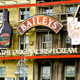 Charlie Brock - Baileys Irish Cream