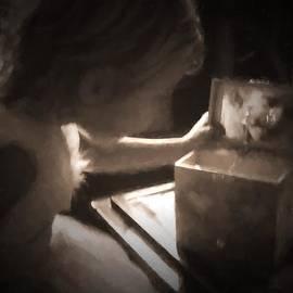 Heidi Yanulis - Music Box Discovery