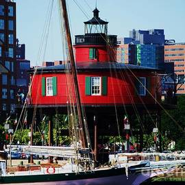 Marcus Dagan - Baltimore Inner Harbor Lighthouse 2