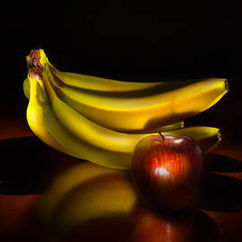 Wendy Thompson - Bananas and Apple Still Life