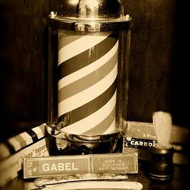 Paul Ward - Barber - barber pole - black and white