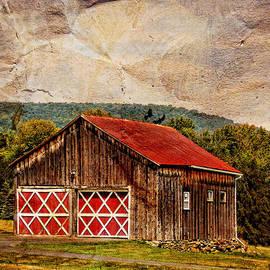 Pamela Phelps - Barn Amid the Mountains