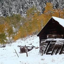 Jetson Nguyen - Barn in the San Juan Mountains