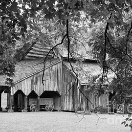 Dwight Cook - Barn in eastern Part of Tennessee