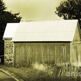 Sandy Moulder - Barns on Country Pennsylvania Road
