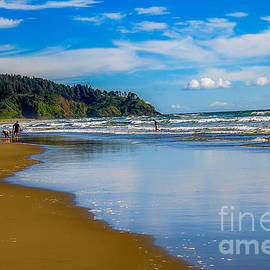 Robert Bales - Beach Fun